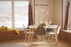 neutral-dining-area