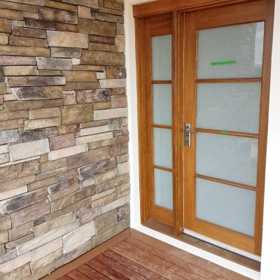 Entry-stone-wall